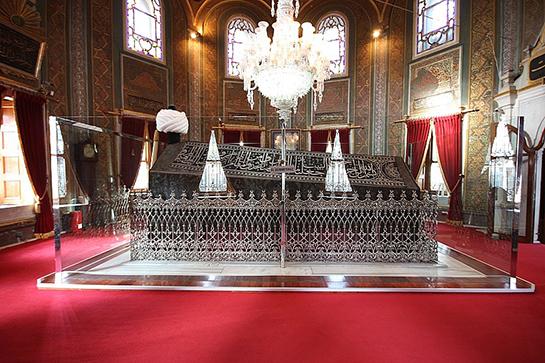 II. Mehmed türbesi ile ilgili görsel sonucu